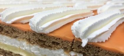 Oranje tompouce van Bakkerij Voordijk